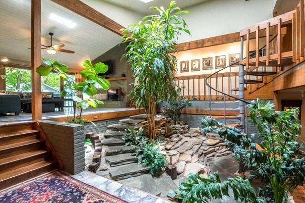 Open Floor plan (photo 4)