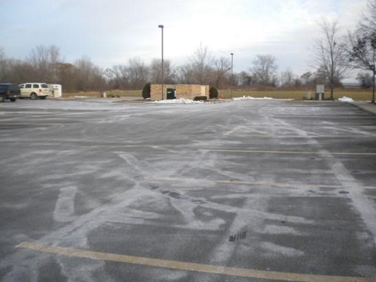 Parking (photo 3)
