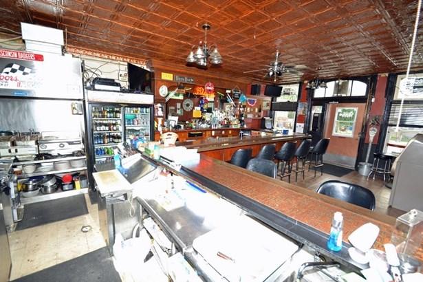Bar (photo 3)