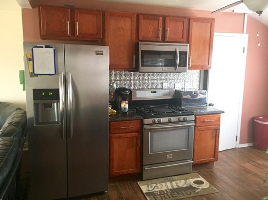 Brand New Appliances Included (photo 5)