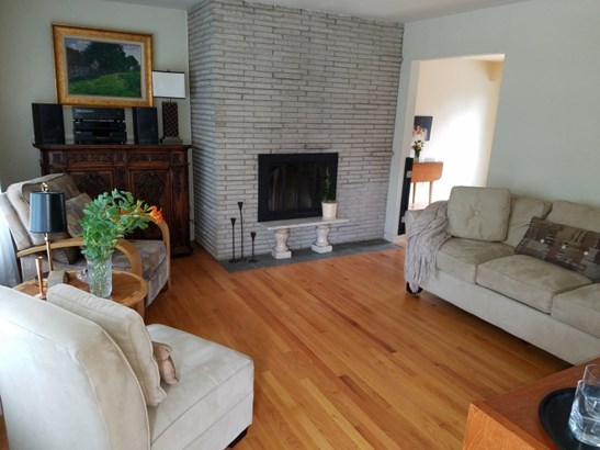 Living Room w/ NFP (photo 2)