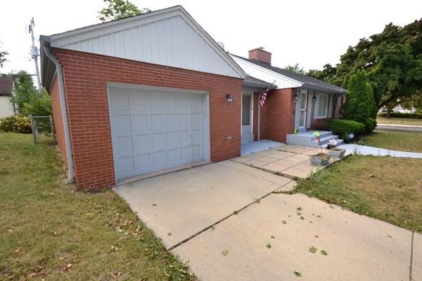 Garage (photo 4)