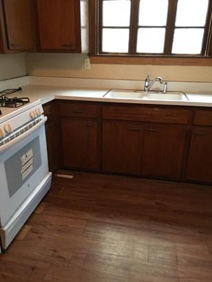 1537 Kitchen (photo 2)