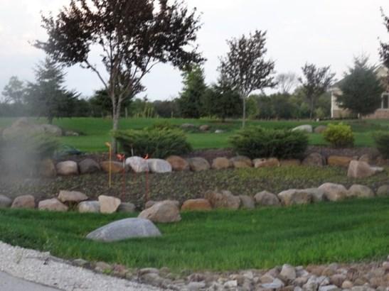 Gardens (photo 3)