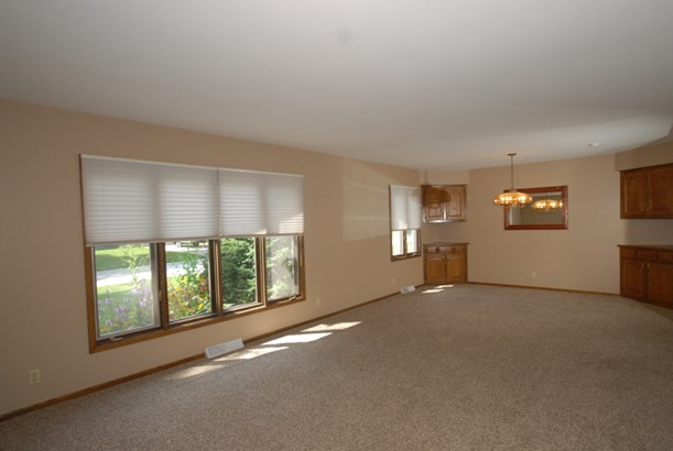 Living room dining room combo (photo 2)