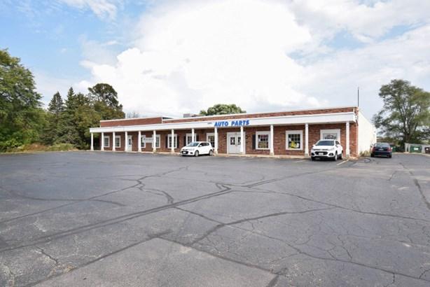 Rare Cedarburg Commercial Bldg (photo 1)
