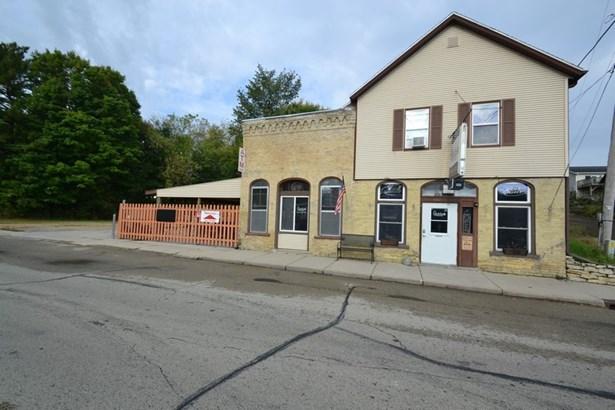 Bar (photo 1)