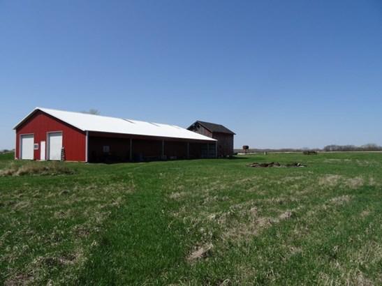 Pole Barn 80 x 50 (photo 2)
