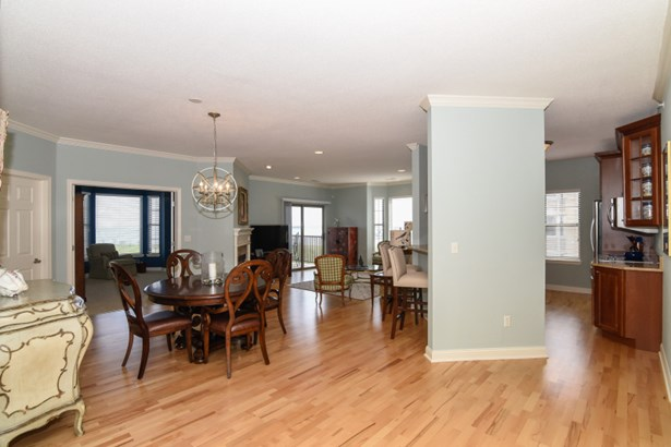 Welcome to this elegant home! (photo 2)