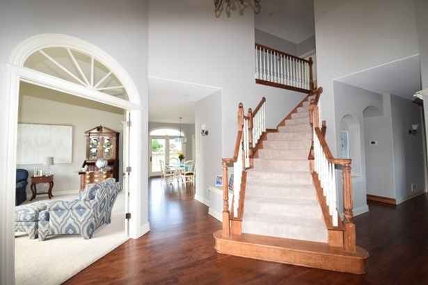 Open stair to 4 bedrooms (photo 4)