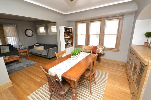 Lower Dining Room (photo 4)