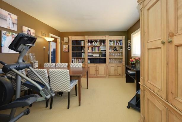 Upper dining room (photo 5)