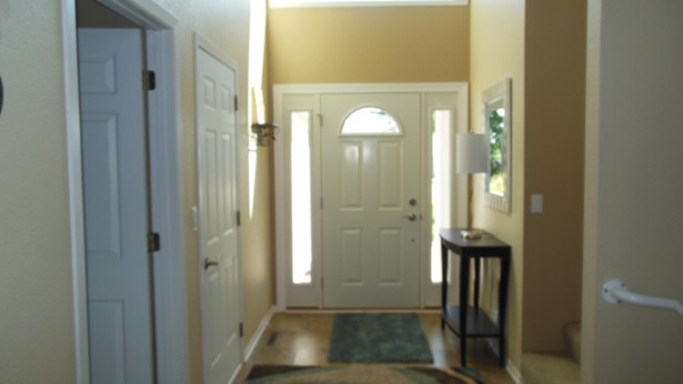 Front Foyer (photo 5)