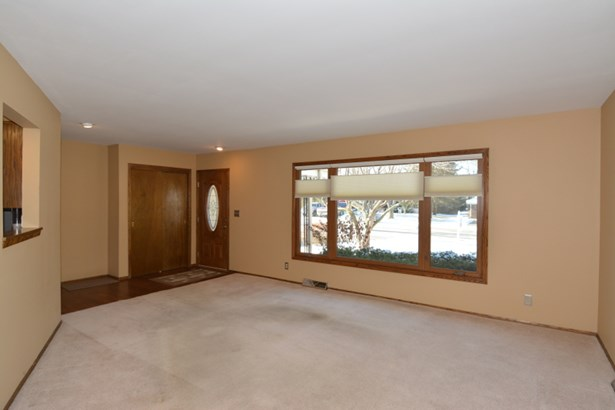 New Wood Laminate in Hallway (photo 5)