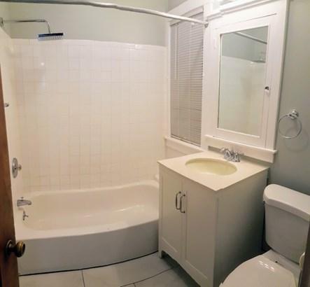 Unit 3 Bath (photo 3)