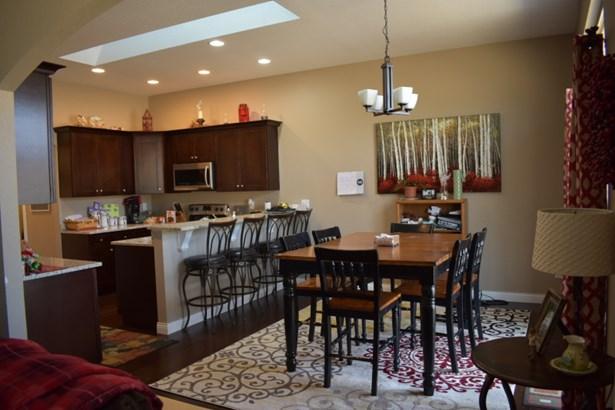Kitchen Granite Counter Tops (photo 2)