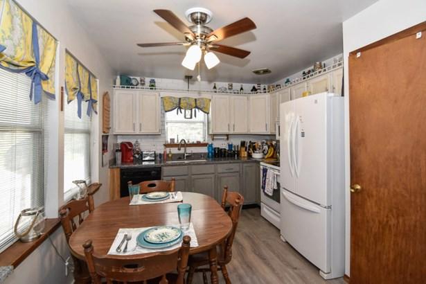 Kitchen/ granite counter tops (photo 4)