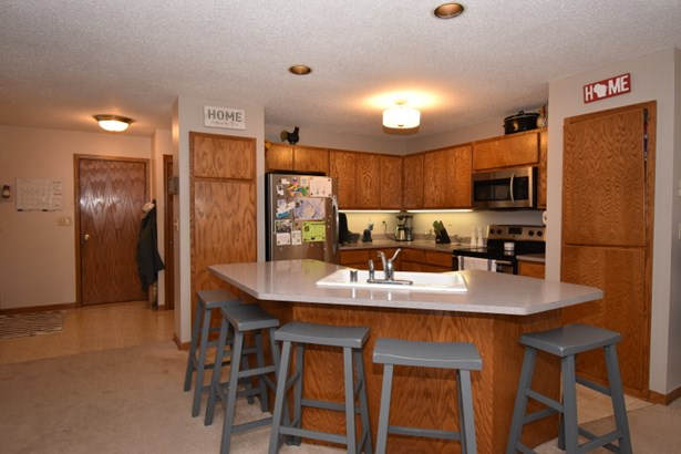 Kitchen (photo 5)