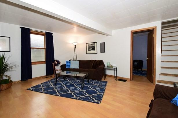Newer flooring (photo 3)