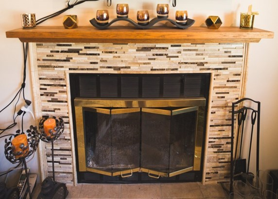 Beautiful natural fireplace! (photo 5)