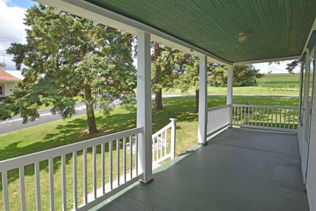 Huge Front Porch (photo 3)