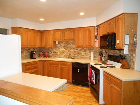 Kitchen Appliances Included (photo 2)