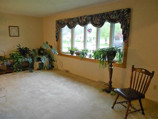 Living Room Bow Window (photo 3)