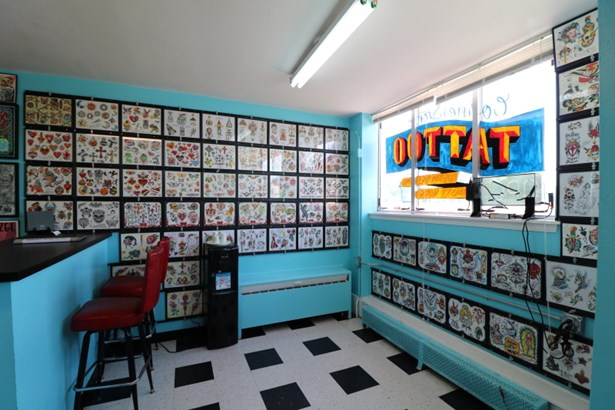 Store front (photo 5)