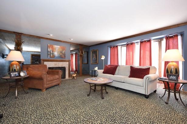 Formal Living Room (photo 2)