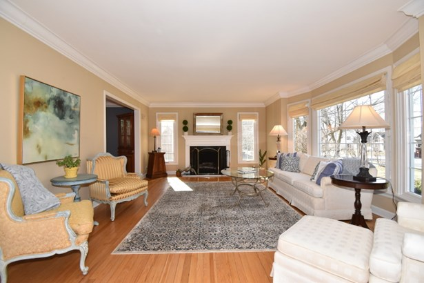 Living Room w/NFP (photo 2)