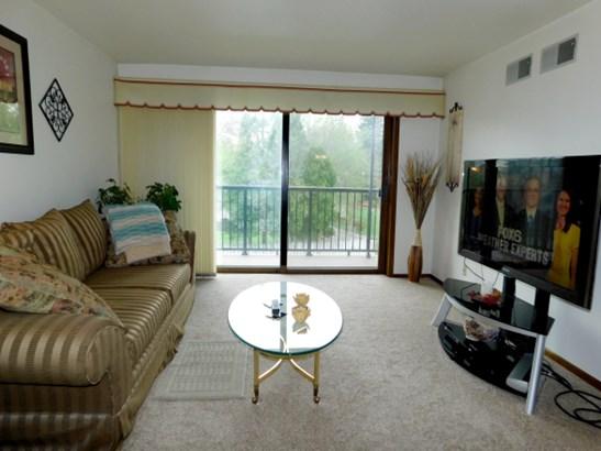 Living Room Patio Balcony (photo 2)