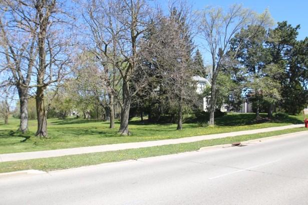 Street View (photo 2)