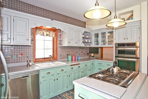 Kitchen view 2 (photo 5)