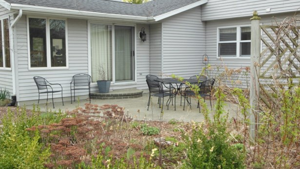 Stamped Concrete Patio (photo 3)