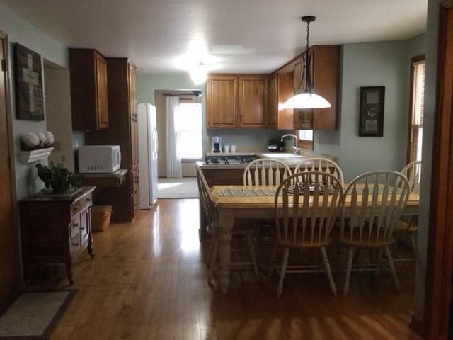 Dining area/kitchen (photo 5)