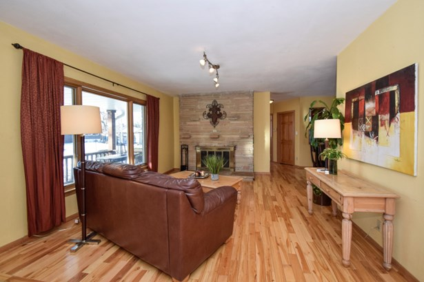 Gleaming Hardwood Floors (photo 3)