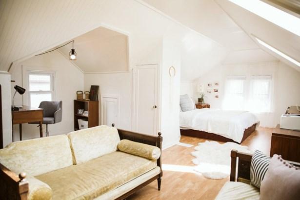Master Bedroom Den (photo 4)