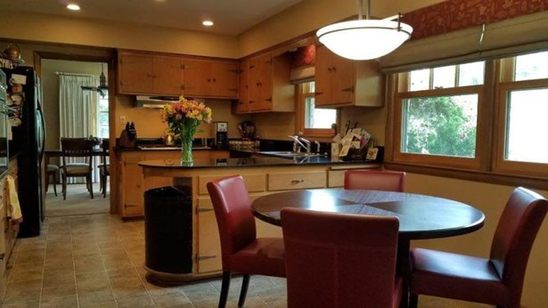 Formal Dining (photo 5)