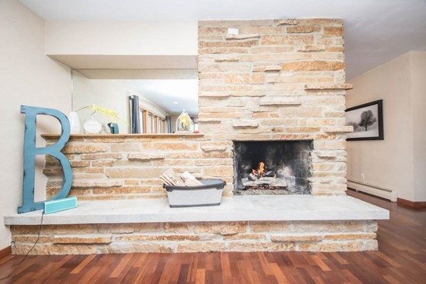 Lannon Stone Gas Fireplace (photo 4)