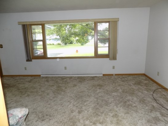 Family Room Picture Window (photo 4)