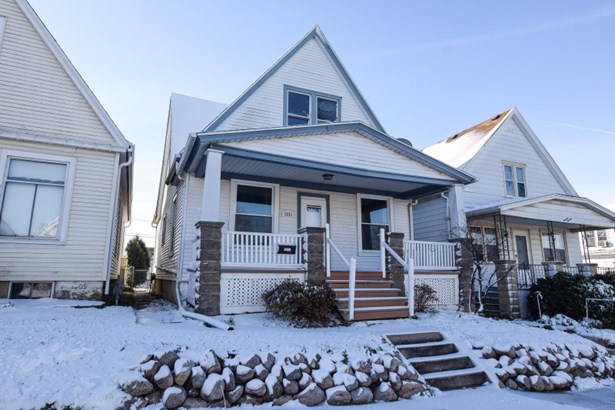South Milwaukee Wi Real Estate Homes For Sale Leadingre