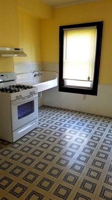 Lower Unit Kitchen (photo 4)