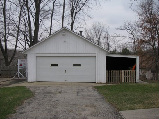 Extra 2.5 Car Garage (photo 5)