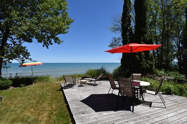 Prime Sandy Beach Retreat