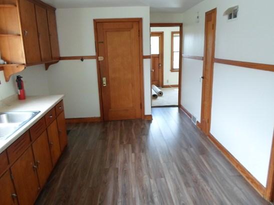 Kitchen upper (photo 2)