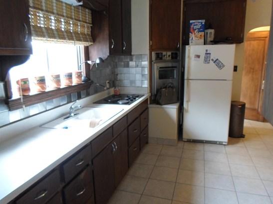 Kitchen lower (photo 3)