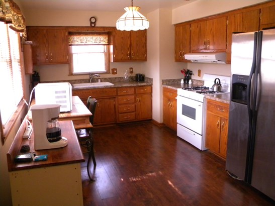 Kitchen View from Side Entry (photo 4)
