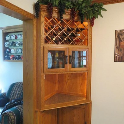 Lighted Wine Cabinet (photo 3)