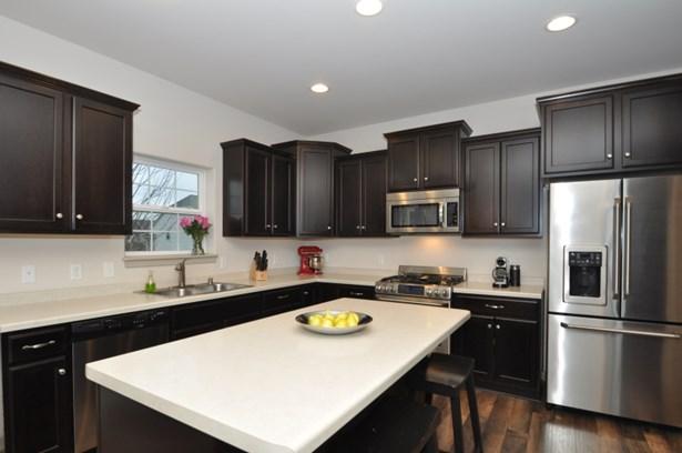 Stunning kitchen! (photo 3)