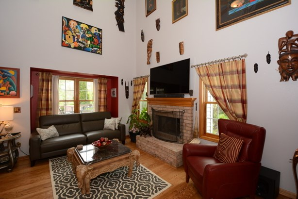 Two-Story Great Room (photo 4)